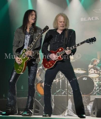 Music vs The World Black Star Riders 19121519