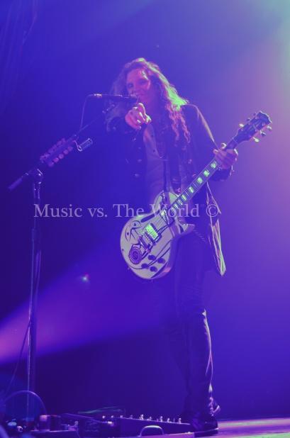 Music vs The World Whitesnake 19121530